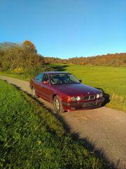 Weinroter BMW 520