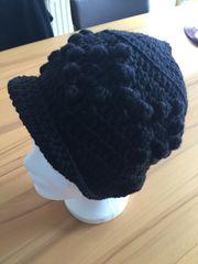 Damenmütze gehäkelt Farbe schwarz
