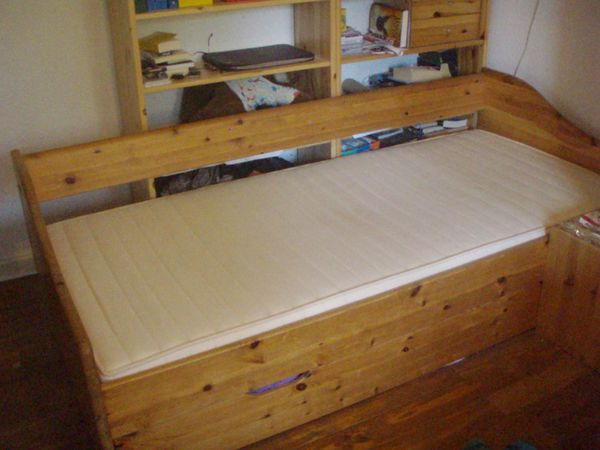 kinder jugendbett ankauf und verkauf anzeigen billiger preis. Black Bedroom Furniture Sets. Home Design Ideas
