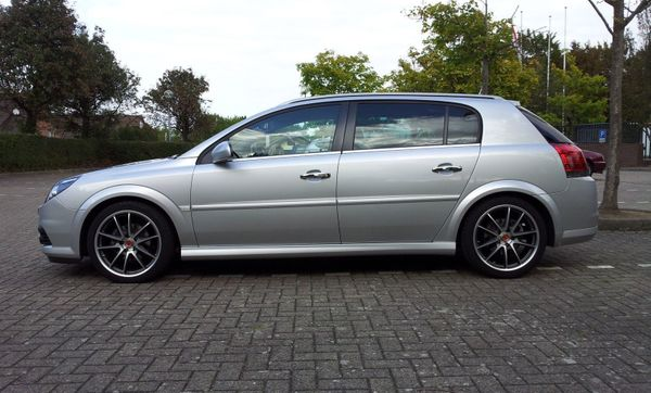 Opel Signum 1 9