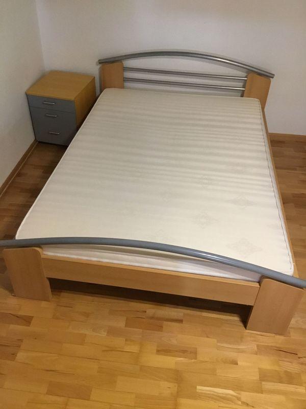 Schnappchen Bett Mit Matratze 140 X 200 Inkl Nachtisch In