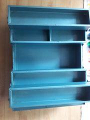 blaue Werkzeugkiste aus