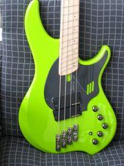 Bassist sucht Rockoldie