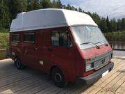 Überdachter Stellplatz für Wohnmobil Camper