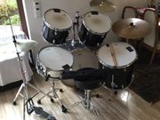 Schlagzeug komplett (Sonor,