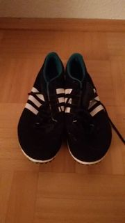 Neue Adidas Spikes