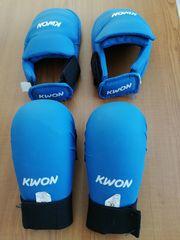 Karateanzug Handschoner Fußschoner