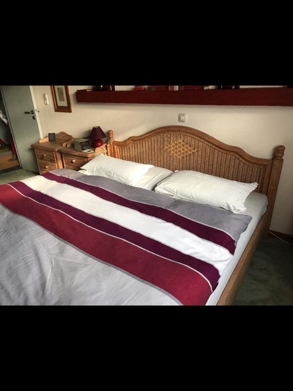 Komplettes Schlafzimmer Pinie weiß gekälkt, Rattan, Spiegel, Kommode ...