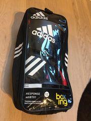 neue Adidas Boxhandschuhe rot schwarz