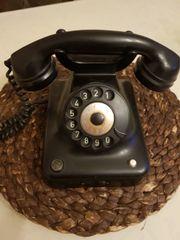 sammler alte telefon