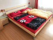Bett + 2 Nachttische