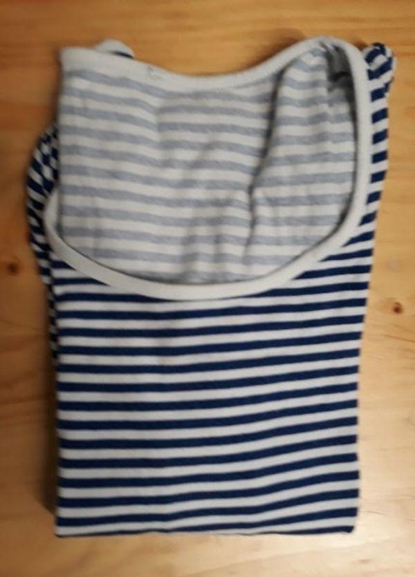 Sweatshirts blau weis gestreift - Nürnberg Thon - TShirt 3/4 Armlänge Sweatshirts Pullidunkel blau weiss gestreiftMarke nicht bekanntRückenlänge ca 51 cmvermutlich Größe Sgebraucht, guter Zustand, siehe Fotos5,00 Euro oder Preisvorschlag mit Artikelkombinationzuzügl. Versand nach V - Nürnberg Thon