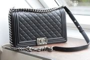 orig CHANEL Boy Bag Medium