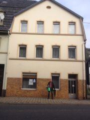Renovierungsbedürftiges Stadthaus mit
