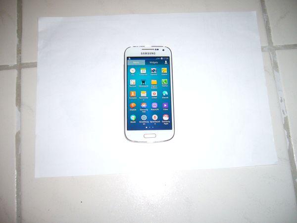 Samsung S4 9195 mini - Pforzheim Altgefäll - Verkaufe hier ein Samsung Galaxy S 4 mini Weiß GT-i9195 4,3 Zoll 8MP Kamera, Speicherkapazität 8GB Bluetooth, usw. Auf dem Display ist Panzerglas Neu.Das Gerät funktioniert einwandfrei, Ohne Simlock. Das Handy ist in Top zustand  - Pforzheim Altgefäll