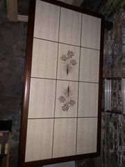 Schöner Wohnzimmertisch mit Stabiler Steinplatte