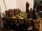 sehr schöner Schach Tisch zu