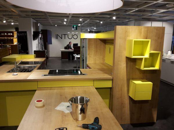 Bunte Küche eine bunte küche jugend trifft design steht zum verkauf in