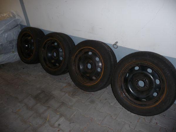 Stahlfelgen für Peugeot 307 - München Trudering - Stahlfelgen für Peugeot 307 cc mit alten Winterreifen. Reifen sind alt und abgefahren, deswegen werden nur die Stahlfelgen verkauft.Die Felgen haben Altersbedingt Rostansätze. Sie passen auch auf andere Modelle der Baureihe 307.Felg - München Trudering