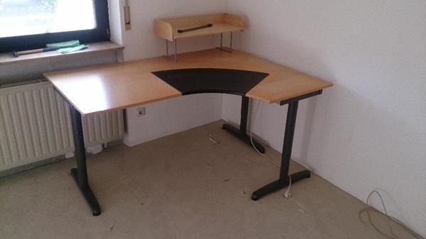 Stabiler großer und langlebiger Schreibtisch (IKEA Galant) in ...